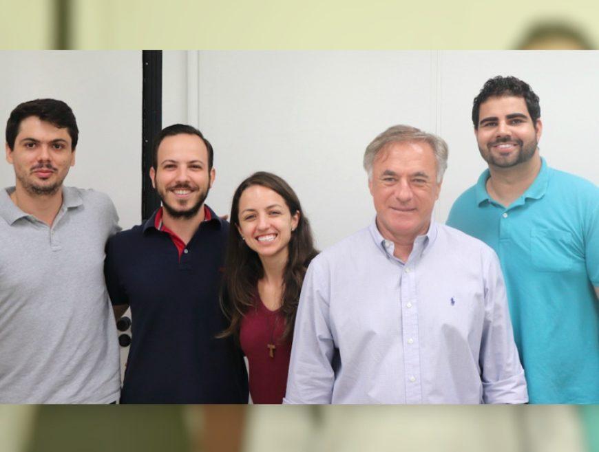Depois de 36 anos no mundo corporativo, ele agora empreende cercado de jovens pesquisadores na Rubian